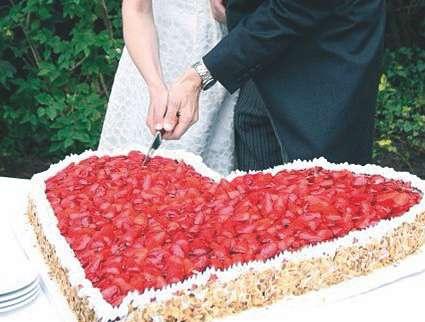 Zum Verlieben - Hochzeitstorte Gastonomie Pütter im Anglo German Club