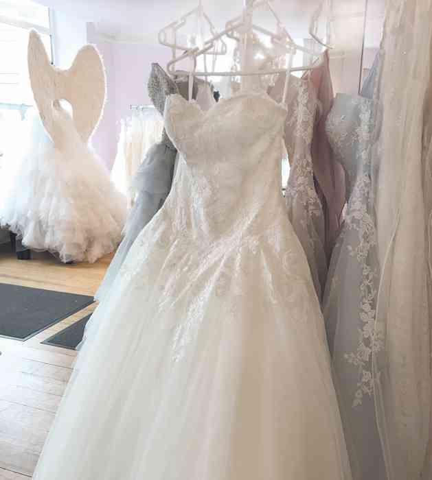 Brautkleid Hamburg, Modelle im Hamburger Brautsalon