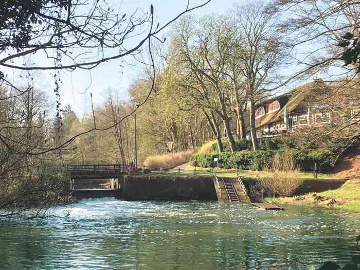 Das Kleinhuis Hotel Mellingburger Schleuse am Alsterlauf