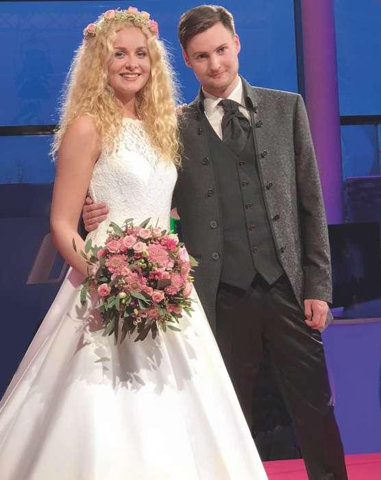 Lang Braut-, Bräutigam & Abendmode