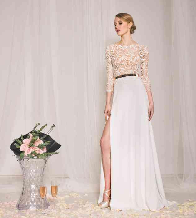 Cooles Braut-Outfit Flora mit Schlitz