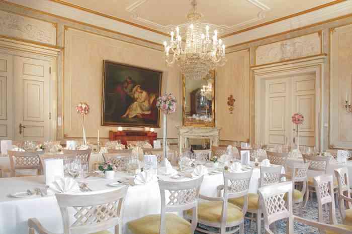 Der Barocksaal in der Hochzeitslocation Schloss Tremsbüttel.