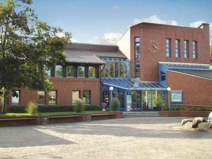 Gebäude Außenansicht des Rathaus Standesamt Langballig
