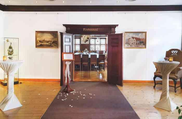 Wartebereich für den Ratssaal und das Senatszimmer im Alten Rathaus in Rendsburg.