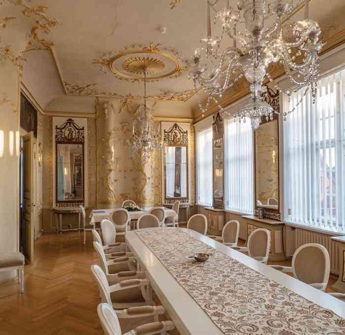 Spiegelsaal im Palais von Doos für Trauungen mit 30 Personen.