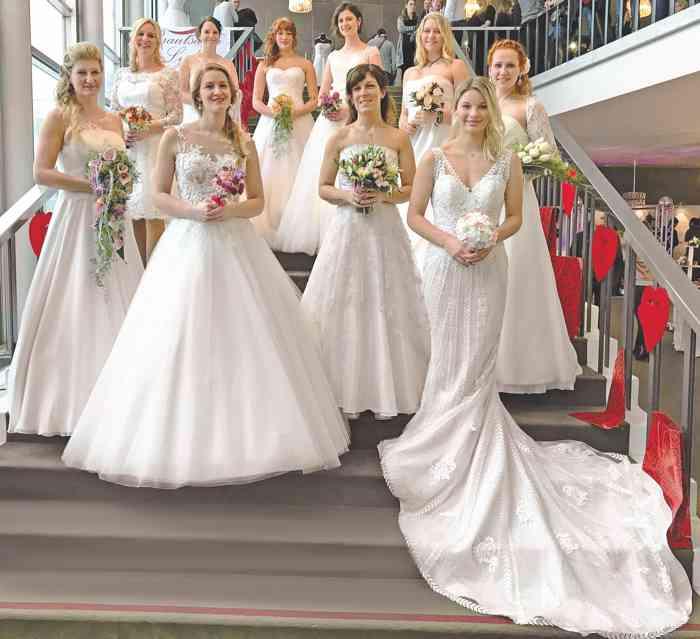 Brautkleider Modenschau auf der Hochzeitsmesse Festival der Hochzeit im Kieler Schloss
