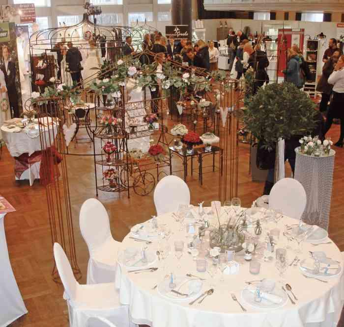 Tischdekoration auf der Hochzeitsmesse Festival der Hochzeit im Kieler Schloss