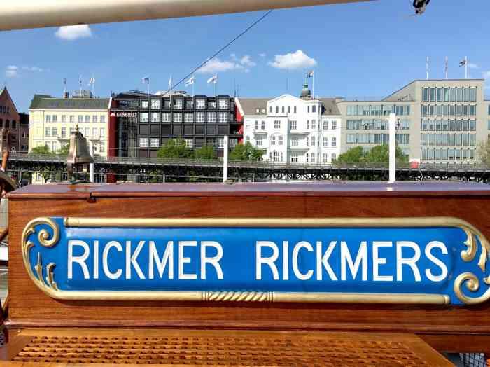 rickmer rickmers hafen hamburg mit landungsbrücken