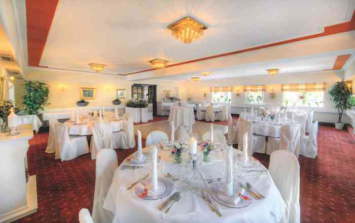 Unterschiedliche Raumgrößen bieten Hochzeitsgesellschaften die passende Option.