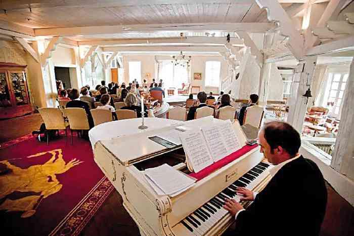 Hochzeitslocation Landsitz Hotel Peterhof als Trausaal