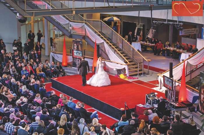 Modenschau auf der Hochzeitsmesse Herz an Herz Lübeck
