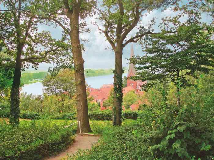 Park am Standesamt Lauenburg-Elbe