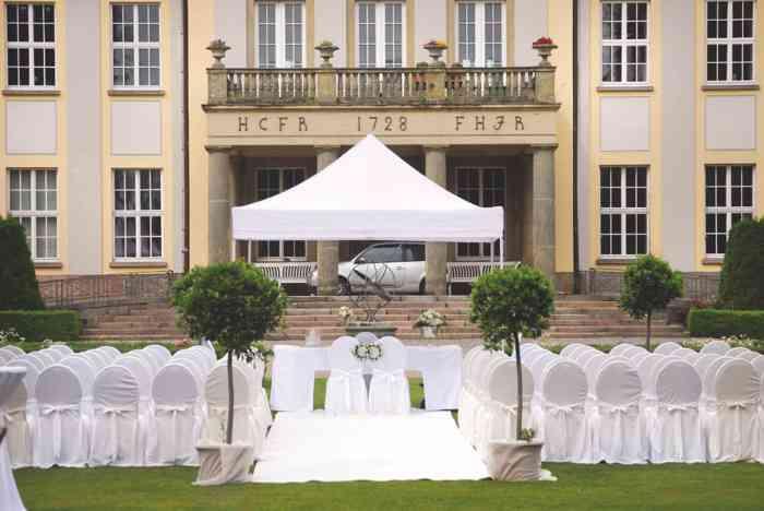Trauzeremonie im Schlossgarten von Eventmanagement Gabi Loewel