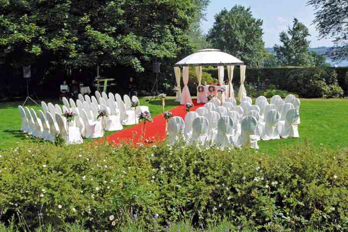 Trauzeremonie im Garten des Romantik Hotel Kieler Kaufmann