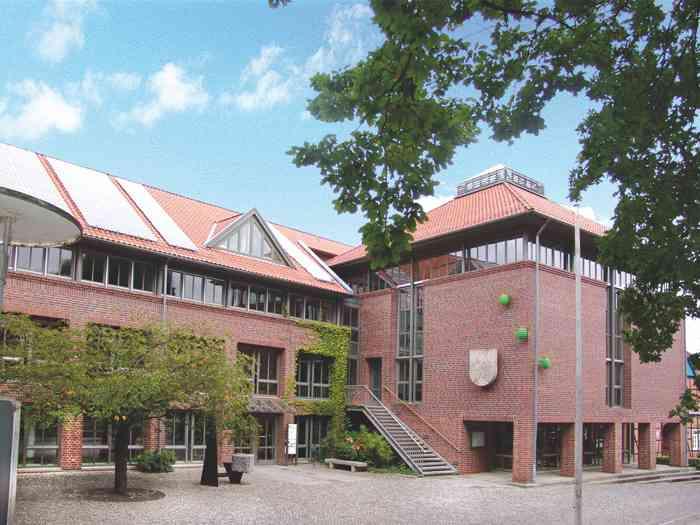 Standesamt Gehrden in der Region Hannover. Gebäude des Rathaus Garbsen.