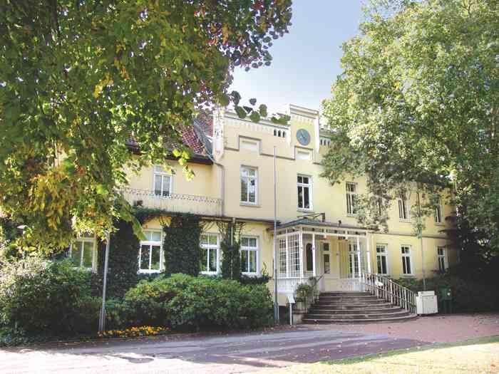 Das Standesamt Laatzen Region Hannover im idyllischen Garten.
