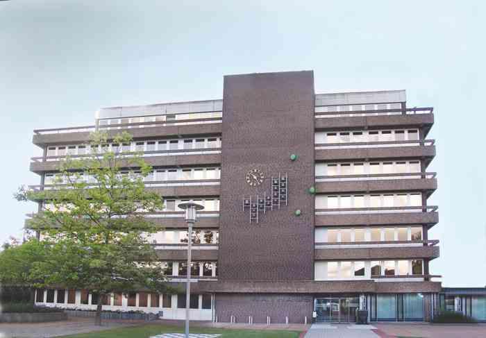 Standesamt SehndeDas Standesamt Sehnde der Region Hannover befindet sich im Rathaus der Stadt.
