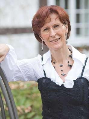 Die Standesbeamtin Marion Meine des Standesamts Wedemark Region Hannover,