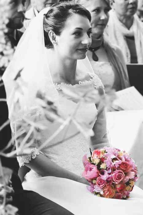 Braut mit Brauttrauss