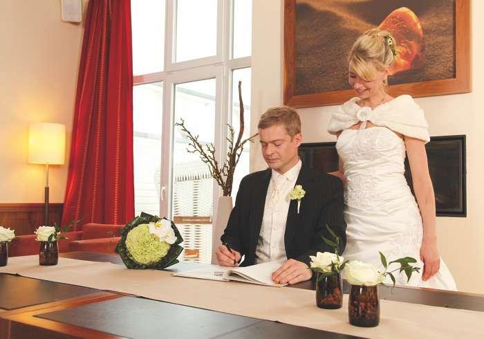 Standesamtliche Trauungen in der Bernsteinlounge Iberhotel Boltenhagen