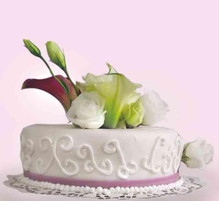Torte mit Blumenvariation