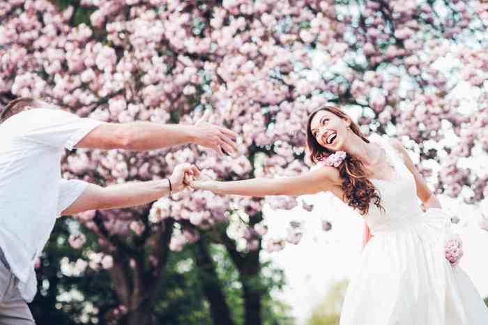 VANNILLA Braut und Abendgarderobe