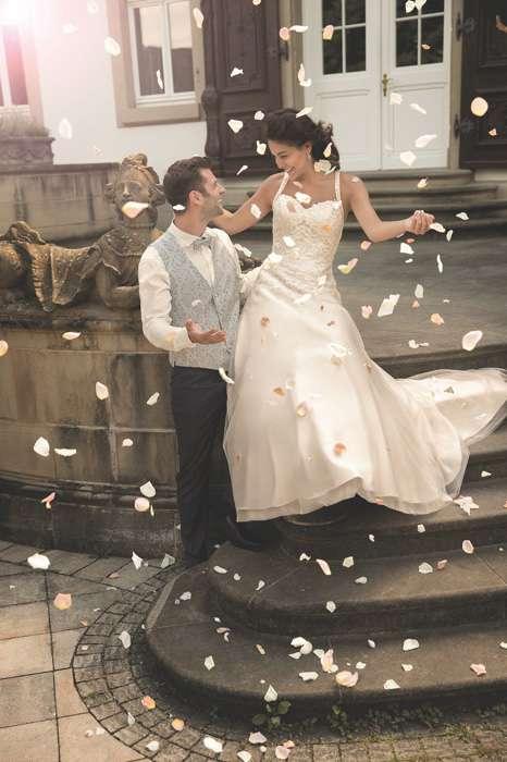 brautkleider chaleel hannover Brautkleid Eileen mit Schleppe
