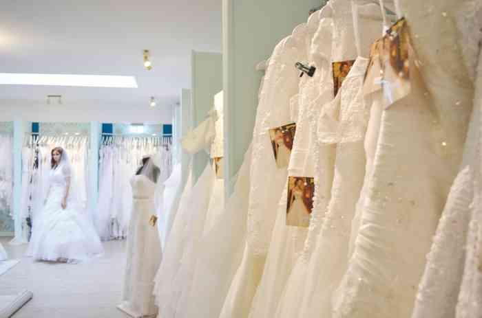 Kleiderständer bei Astraphal Brautmode