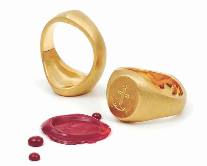 Die Ringe von Jan Spille sind fugenlos gegossen - das gilt auch für die Siegelringe.