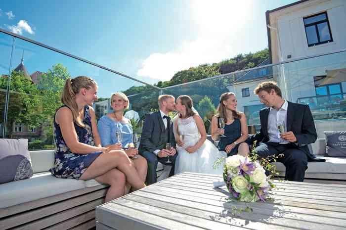 Hotel Kieler Yacht Club Terrasse mit Blick auf die Förde