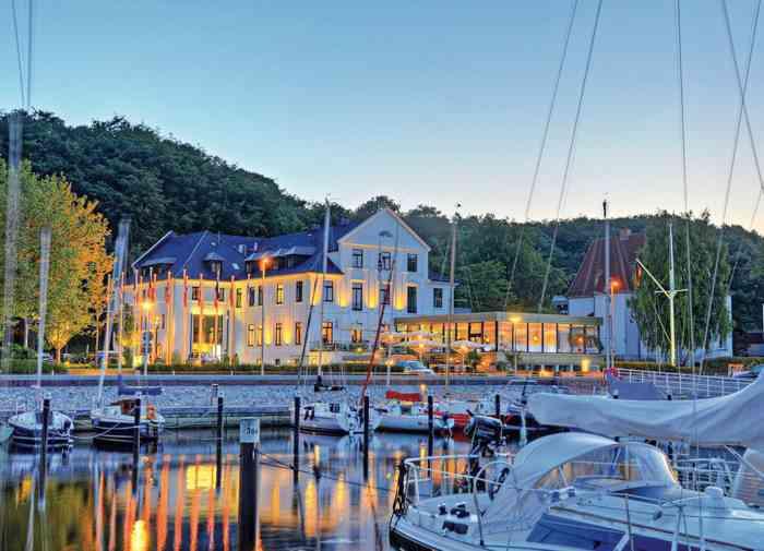 Hotel Kieler Yacht Club Außenansicht Yachthafen