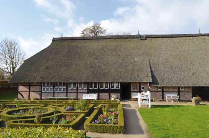 Das Rieck Haus mit Bauerngarten ist Trauort des Standesamtes Bergedorf.