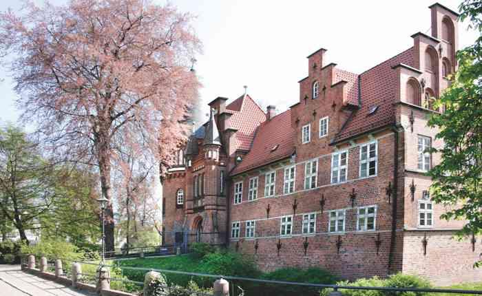 Das Bergedorfer Schloss ist Trauort des Standesamtes Bergedorf.