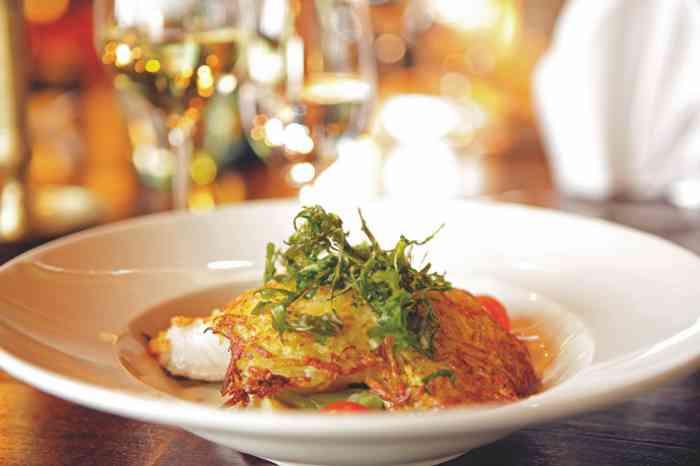 Feinste Gerichte werden in der Hochzeitskocation Antikhof Bissee serviert.