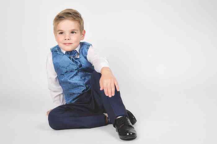 Ceile Kleiderverleih für Kinder Anzug mit Weste und Plastron in Blau für Jungen