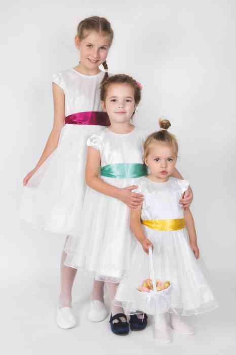 Ceile Kleiderverleih für Kinder Blumenmädchen mit Streukörbchen