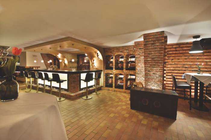 Bar im Weinkeller