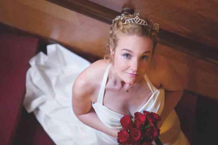 Clazzic Kosmetik setzt beim Brautstyling auf ein entspanntes Erlebnis.