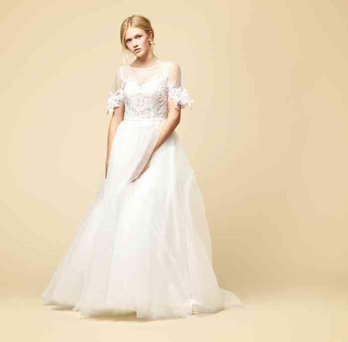 Braut Brautkleid Schmetterlingsärmel