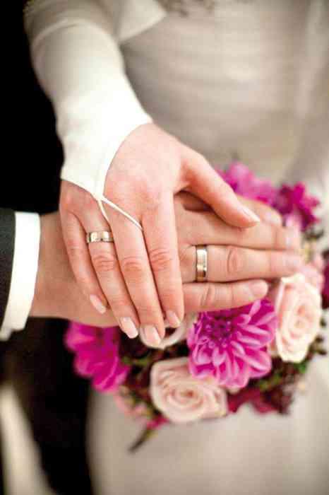 Ein besonderer Service der Kosmetikerin: Der Zeitplan für eine schöne Braut.
