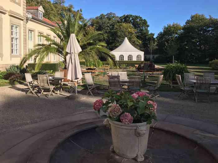 Gartencafe in der Hochzeitslocation Wilhelm-Busch-Museum in Hannover.