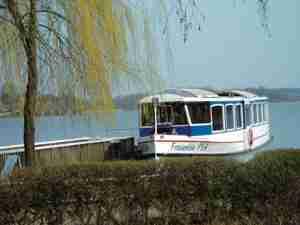 Fahrgastschiff auf dem Krakower See