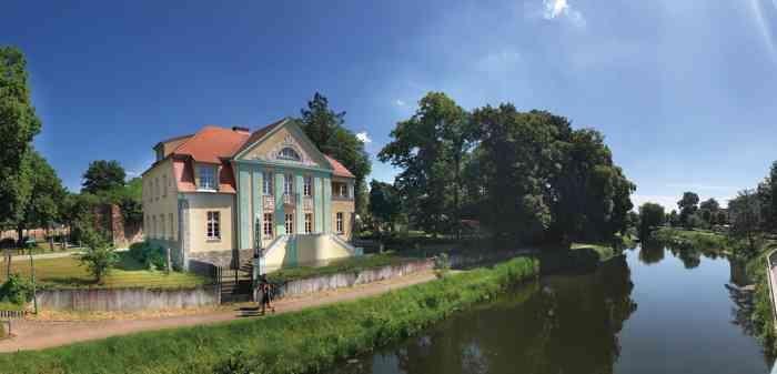 Villa an der Friedrichstrasse am Ufer der Uecker
