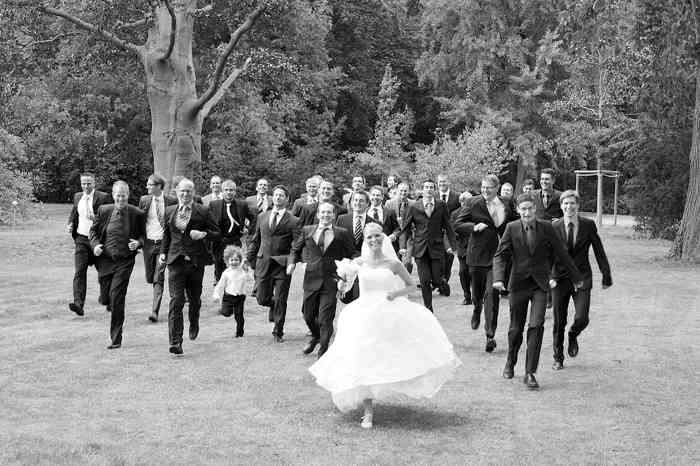 Hochzeitsbilder in Schwarz-Weiß haben eine starke Wirkung - von Sarah Austermann photoStyling
