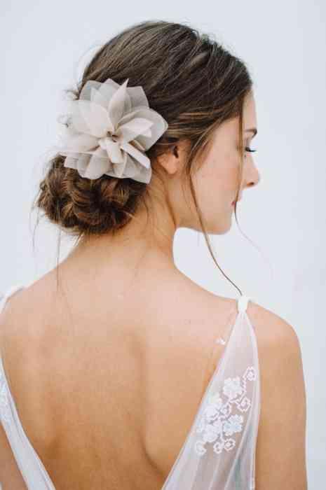 BelleJulie Bridal Accessoires Haarblume Violetta