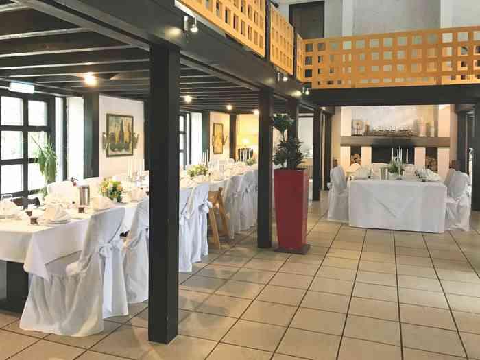 Kniggesaal im Hotel Restaurant Steinkrug für 120 Personen.