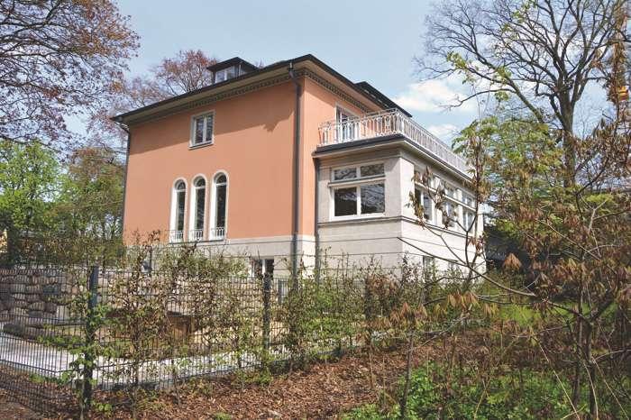 Die Ohlendorf`sche Villa ist Holsteins jüngstes Herrenhaus und liegt in Hamburg Volksdorf.