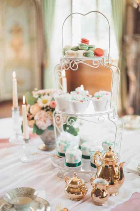 Hochzeitsgebäck und Hochzeitstorten