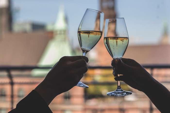 Ameron Hamburg Hotel Speicherstadt Champagner