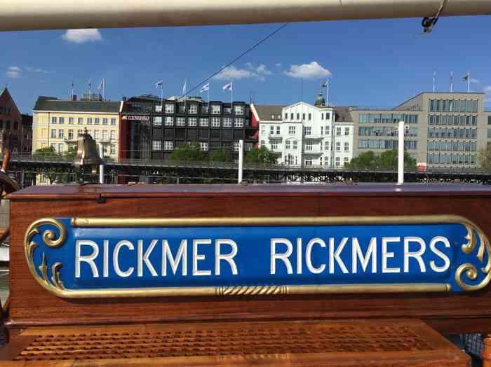 Hamburger Stadtansicht mit Rickmer Rickmers